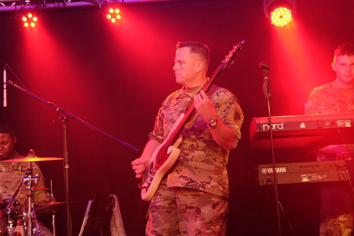 Army-Band-Winzerfest (18)