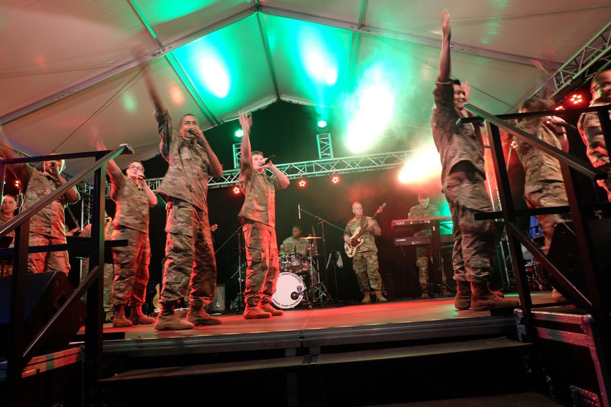 Army-Band-Winzerfest (7)