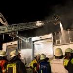 Großbrand in Recycling-Firma – Einsatzkräfte waren z.T. höchst gefährdet