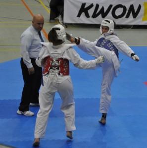 Mara Steinwagner (blaue Weste) erkämpft die Goldmedaille