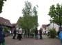 """""""Der Mai wird bald kommen"""" … der Maibaum steht – in Balzfeld – sicher auch wo anders !"""