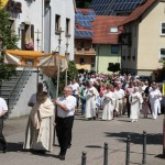 Fronleichnam auf dem Lande – Traditonen werden gepflegt – Flur-Prozession