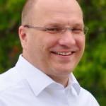 Jürgen Abt (FDP) wünscht Schülern guten Start ins neue Schuljahr
