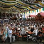 Seniorennachmittag auf dem Winzerfest mit Stargast CINDY Berger – eine runde Sache