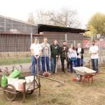 Auszubildende der Heidelberger Druckmaschinen AG unterstützen den Tierpark Rauenberg