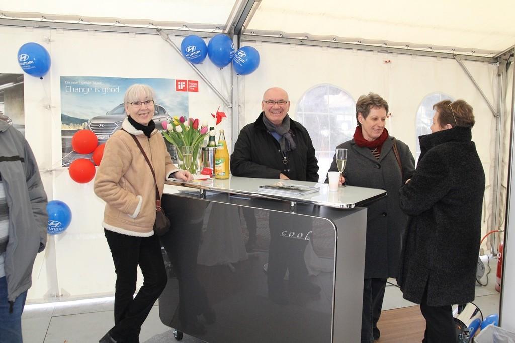 Mario Ranaldi, Geschäftsführer der Autohaus Ranaldi GmbH, begrüßte die interessierten Besucher persönlich