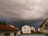 Dunkle Wolken über Walldorf