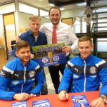 Autogrammstunde der FC Astoria-Stars bei der Sparkasse Walldorf