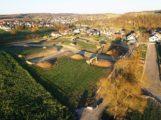 Neubaugebiet – Erlenbachwiesen – Folgen des Spatenstichs unübersehbar