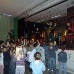 Jörg Schreiner rockte die Kids in der Waldschule