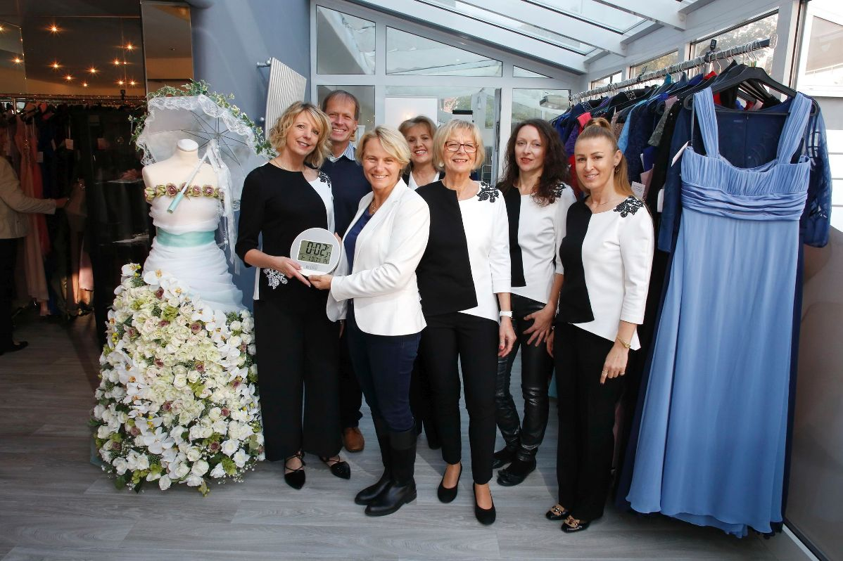 Walldorf: Dani\'s Braut- und Eventmode mit neuer Adresse - WiWa-Lokal ...