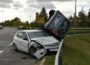 Zwei Verletzte bei spektakulärem Verkehrsunfall – neue Fotos – Zeugen gesucht