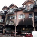 Brennende Mülltonnen greifen auf Wohnhaus über –