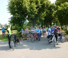 Neubürgerradtour führte ins Reilinger Eck – Erkunden von Wald und Radwegen