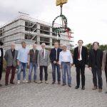 Richtfest am Schulzentrum Walldorf markiert wichtige Etappe