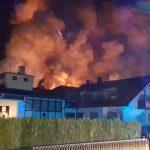 Brand in Recyclingfirma; Ursache noch unklar; Feuerwehren aus der gesamten Region im Einsatz;