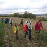 Aufbruch zum Steinbruch: Gemeindewanderung der Petrusgemeinde