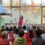 Märchenerzählerin an der Waldschule Walldorf