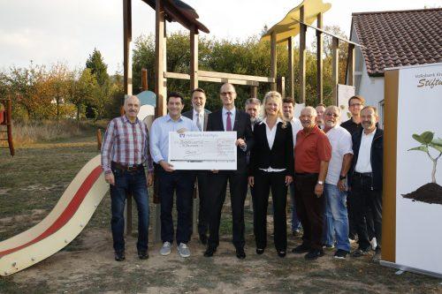 Volksbank Kraichgau Stiftung unterstützt TC Rauenberg mit einer Spende