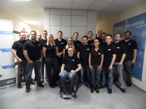 Mitarbeiter des ADR-Geschäftsbereiches JMV Packaging