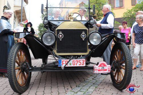 Ford T aus dem Jahre 1915 mit 2900 ccm / 20 PS