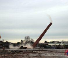 Wiesloch: Industrieschornstein der Wellpappe erfolgreich gesprengt