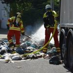 Mühlhausen: Müll im Müllwagen fing Feuer – Fahrer steuert auf Feuerwehrgelände